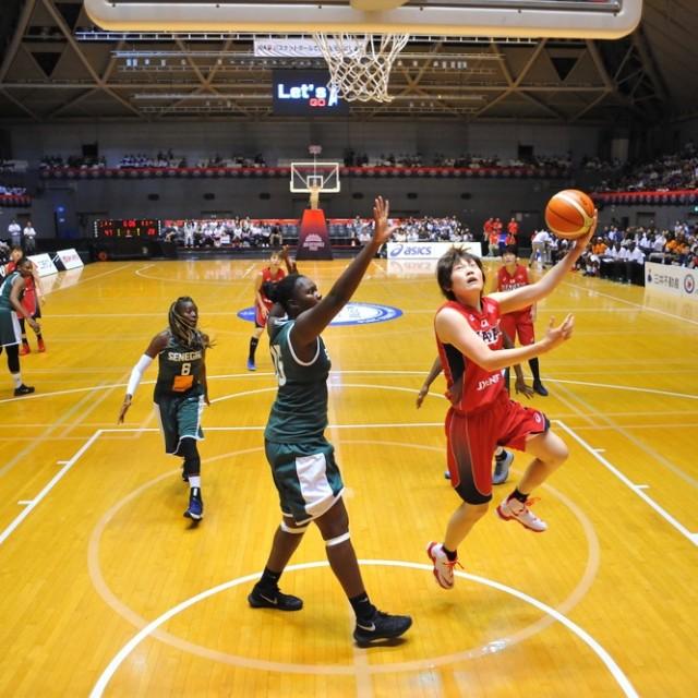 大きな相手に対しスピードでゴールをねじ込む#8髙田 真希選手