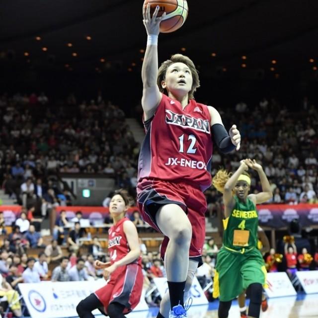 #12吉田 亜沙美選手のレイアップシュート